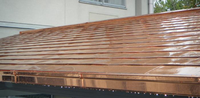 銅板葺き屋根
