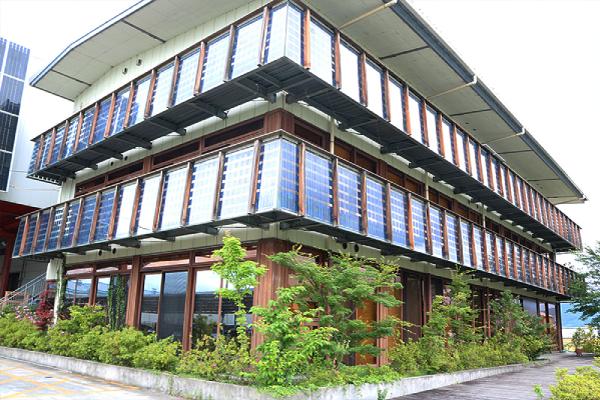 外壁に太陽光発電を設置するケース